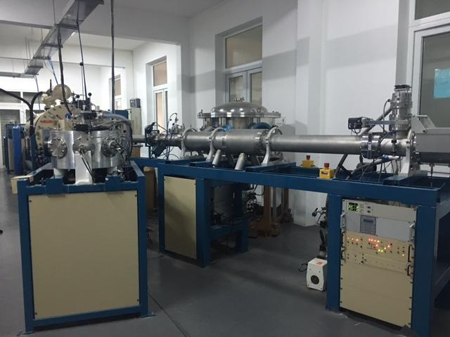 Máy gia tốc duy nhất ở miền Bắc trong phòng thí nghiệm Vật lý của Đại học Khoa học tự nhiên.