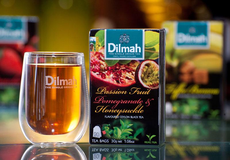 6. Dilmah. Thương hiệu trà được thành lập năm 1974 ở Sri Lanka. Ngày nay, thương hiệu này đang phục vụ và bán ở hơn 92 quốc gia trên thế giới. Trà xanh và trà đen của hãng này nổi tiếng thế giới là thơm ngon.