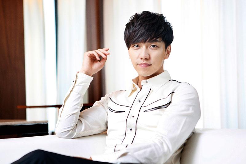 """4. Lee Sung Gi. Nam ca sĩ, diễn viên sinh năm 1987 ở Thủ đô Seoul, Hàn Quốc. Anh bắt đầu nổi tiếng trong lĩnh vực phim truyền hình trong """"Những nàng công chúa nổi tiếng"""" (2006)."""