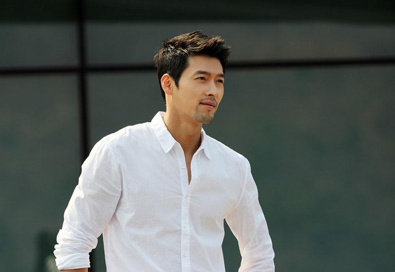 """6. Hyun Bin. Sinh năm 1982 tại Thủ đô Seoul, Hàn Quốc. Anh được chú ý khi đóng trong vai chính trong bộ phim truyền hình """"Tên tôi là Kim Sam Soon"""" (2005) và """"Secret Garden"""" (2010-2011)."""