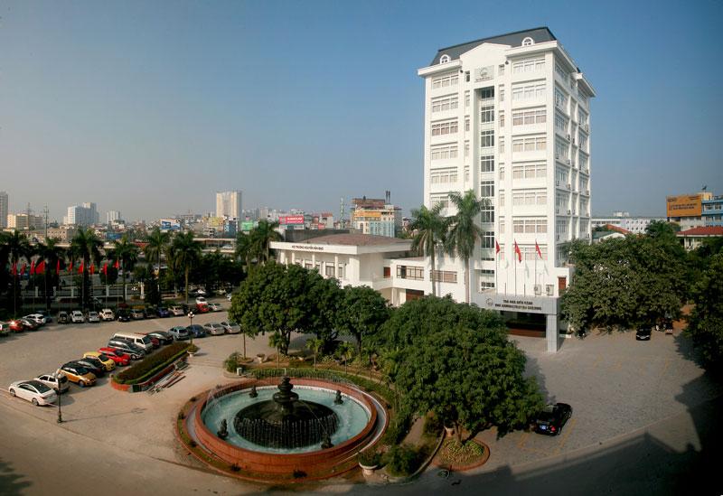 1. Đại học Quốc gia Hà Nội (VUN). Một trong hai đại học quốc gia của Việt Nam có trụ sở đặt tại Thủ đô Hà Nội. VUN tổ chức đào tạo đại học, sau đại học, nghiên cứu và ứng dụng khoa học-công nghệ, đa ngành, đa lĩnh vực, chất lượng cao, giữ vai trò nòng cốt, quan trọng trong hệ thống giáo dục đại học ở Việt Nam.