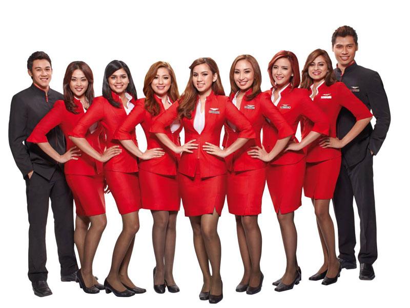 7. Air Asia. Hãng hàng không giá rẻ có trụ sở ở Kuala Lumpur, Malaysia. Trên máy bay, không khó khăn để ngắm nhìn những cô tiếp viên nóng bỏng và thân thiện.