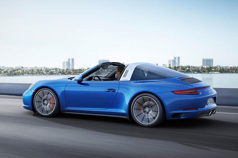 8. Porsche 911 Targa 4S.