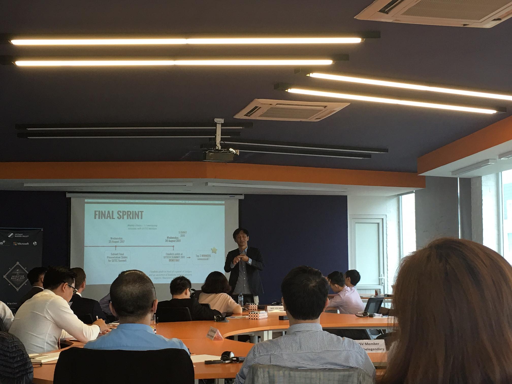 Diễn giả Michael Yap đang thuyết trình. Ảnh: Hiền Thảo