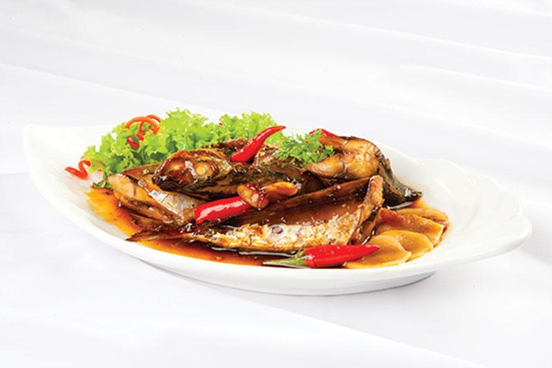 Món cá nục kho kiểu Nhật đã hoàn thành. Ảnh minh họa.