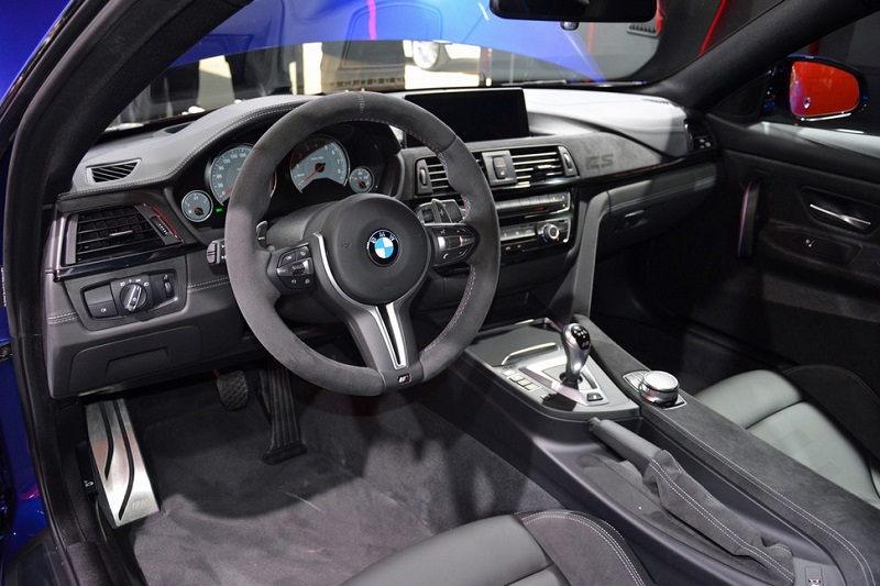 Nội thất đậm phong cách thể thao của BMW M4 CS
