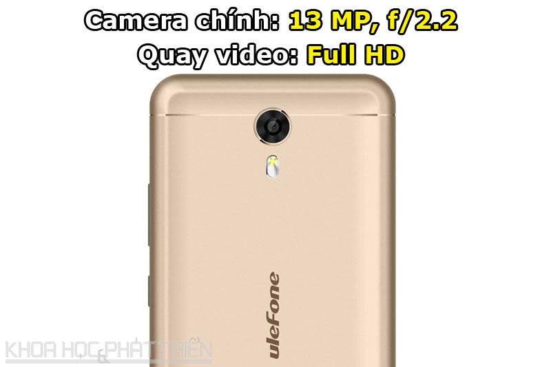 Camera chính được trang bị đèn flash LED kép, hỗ trợ lấy nét tự động, nhận diện khuôn mặt.
