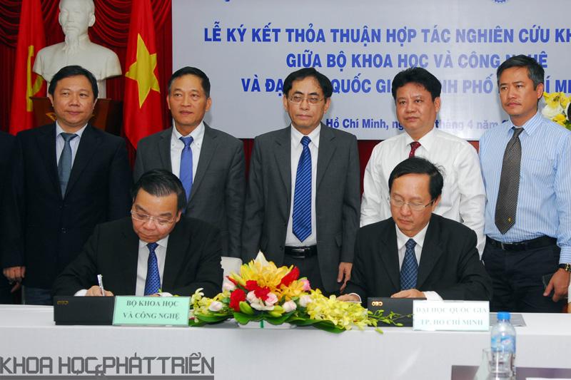 Ký kết hợp tác giữa Bộ KH&CN và ĐHQG TP.HCM    Ảnh: MT