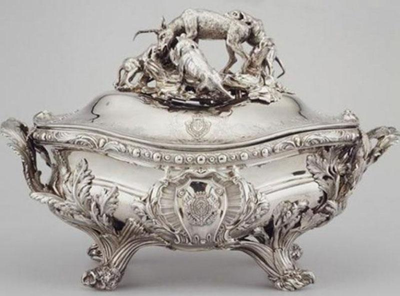 9. Chén súp Hoàng gia Germain Tureen - giá: 9,7 triệu USD.