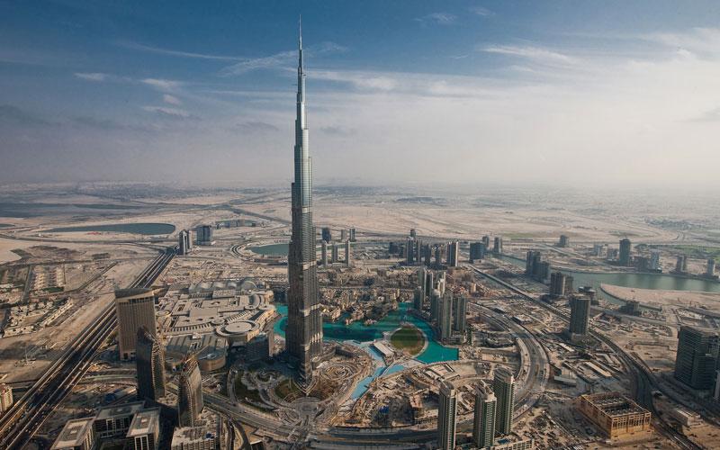 1. Burj Khalifa (163 tầng). Tòa nhà chọc trời nằm ở Dubai, Các Tiểu Vương quốc Ả Rập Thống nhất. Nó được bắt đầu xây dựng hồi tháng 1/2004 và được đưa vào sử dụng vào tháng 1/2010.