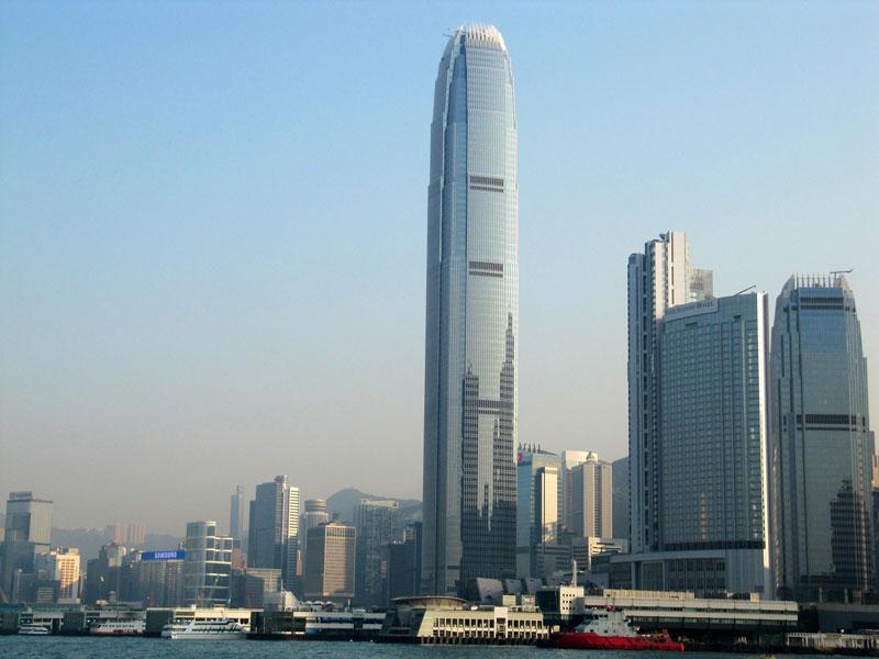 8. CTF Finance Centre (111 tầng). Tòa cao ốc đa chức năng nằm ở Quảng Châu, Trung Quốc. Tòa nhà này bắt đầu xây dựng vào ngày 29/9/2009 và đưa vào khánh thành hồi tháng 10/2016.