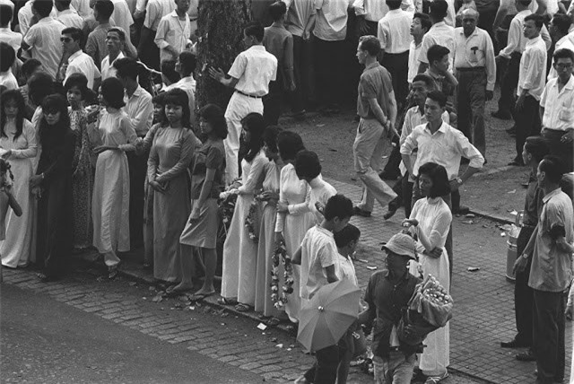 Sai Gon thap nien 1960 trong ong kinh nguoi Phap