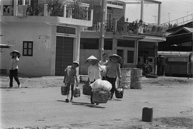 Sai Gon thap nien 1960 trong ong kinh nguoi Phap-Hinh-7