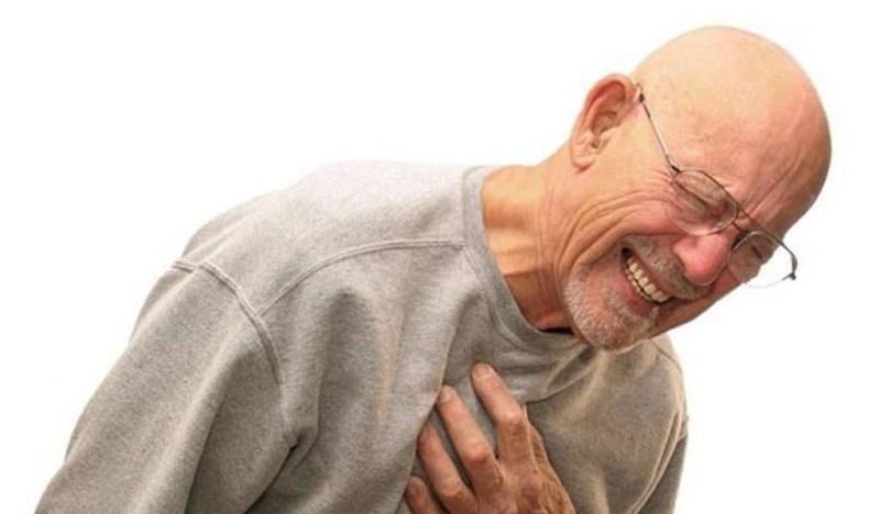 5.Tình trạng yếu sinh lý cũng thường gặp ở những người mắc các bệnh mãn tính như tim mạch, suy thận, suy thận, suy gan, bệnh thần kinh, bệnh tâm thần... Ảnh minh họa.