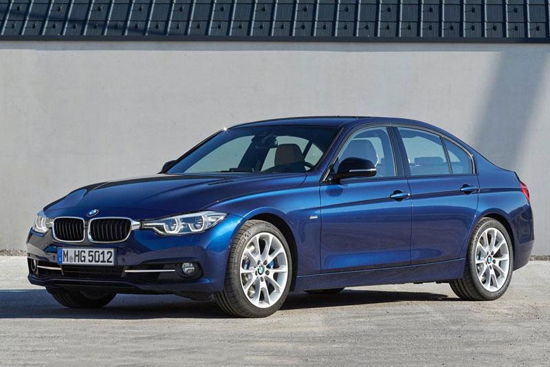 1. BMW 3 Series (giá khởi điểm: 33.450 USD).