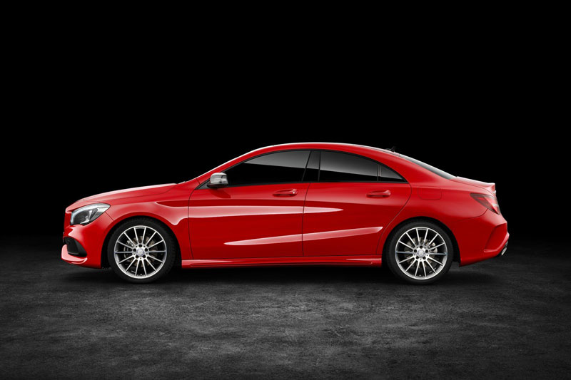 10. Mercedes-Benz CLA (giá khởi điểm: 32.700 USD).