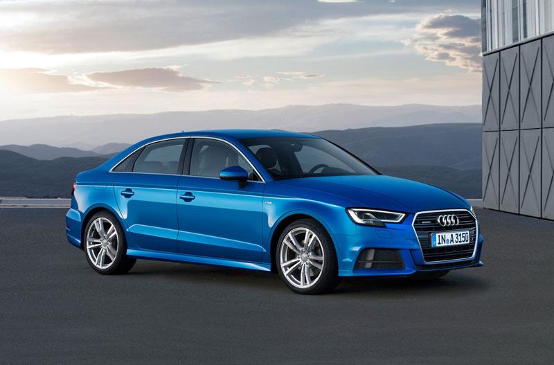 2. Audi A3 (giá khởi điểm: 31.200 USD).