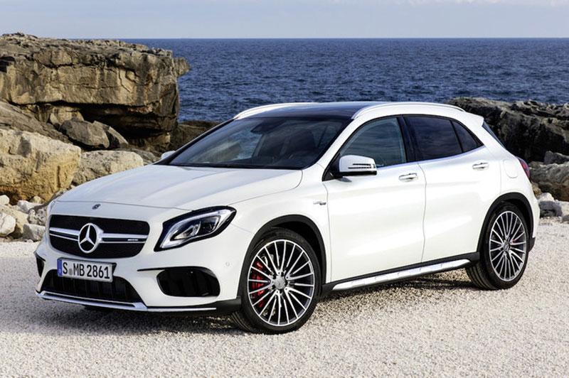 9. Mercedes-Benz GLA (giá khởi điểm: 32.850 USD).