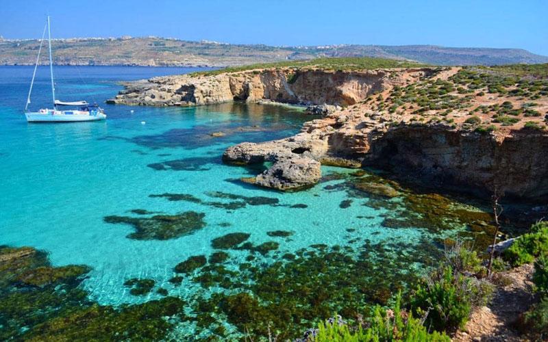 """6. Malta. Đảo quốc tọa lạc tại Nam Âu, gồm một quần đảo ở Địa Trung Hải. Với diện tích chỉ hơn 316 km2 nhưng đảo quốc này lại là một resort khổng lồ với nhiều khu giải trí tiện nghi cao cấp, được mệnh danh là """"viên ngọc quý Địa Trung Hải""""."""