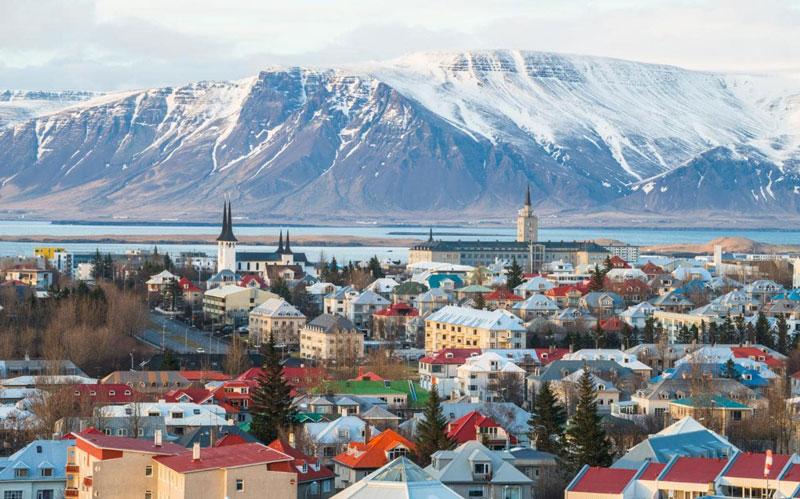 5. Reykjavik. Thủ đô và là thành phố lớn nhất của Iceland. Thành phố nằm ở phía cực Bắc của thế giới này có đầy đủ những nét đặc trưng của Iceland như mặt trời lúc nửa đêm mùa Hè hoặc mặt trăng sáng vằng vặc vào mùa Đông.