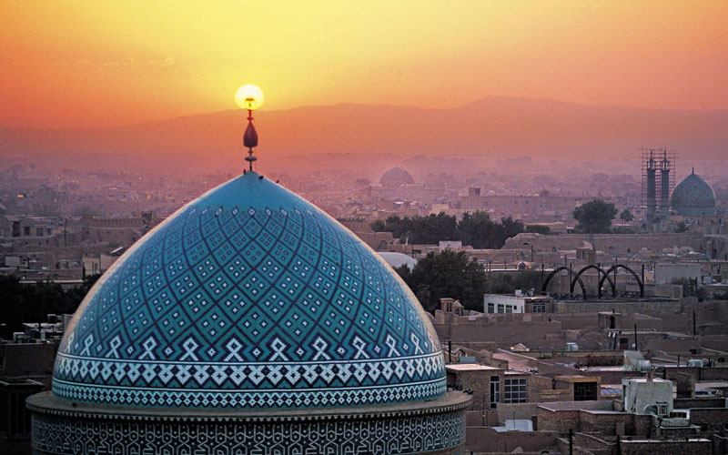 8. Iran. Là quốc gia ở Trung Đông, phía Tây Nam của châu Á, được bao quanh bởi núi và sa mạc. Vài năm trở lại đây, du lịch Iran bắt đầu khởi sắc và dần trở thành một trong những điểm nóng của du lịch thế giới.