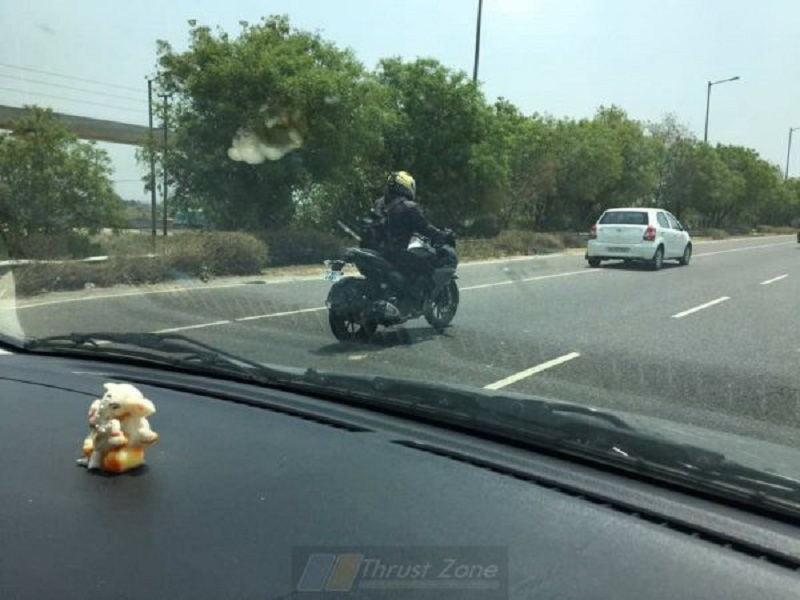 Yamaha Fazer 250 bị bắt gặp trên đường thử nghiệm