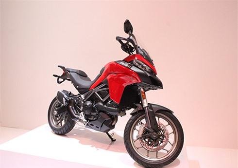 Ducati Multistrada 950 giá hơn nửa tỷ tại Việt Nam. Mẫu xế phượt trang bị động cơ 937 phân khối, nhỏ và thấp hơn đàn anh Multistrada 1200, phù hợp với tạng người Việt Nam. (CHI TIẾT)