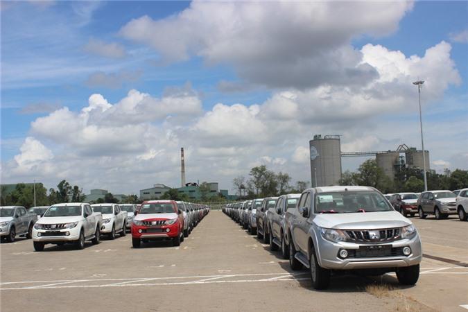 Bộ Công thương lý giải nguyên nhân ôtô Việt Nam đắt gấp đôi Thái Lan. Mức giá xe tại Việt Nam cao hơn gần 2 lần so với các nước trong khu vực (Thái Lan và Indonesia), và con số này còn lớn hơn nếu so với các nước có ngành công nghiệp ô tô đã phát triển ổn định như Hoa Kỳ và Nhật Bản. (CHI TIẾT)