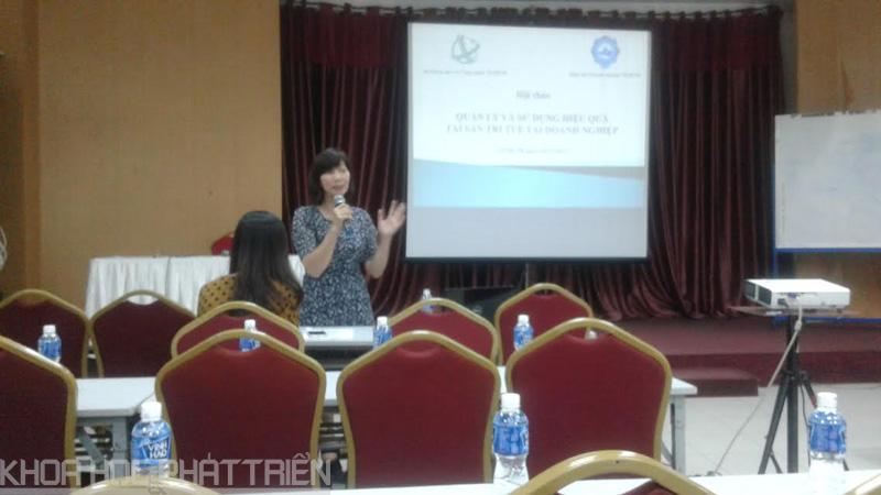 Bà Hoàng Tố Như chia sẻ về hoạt động sở hữu trí tuệ với các doanh nghiệp