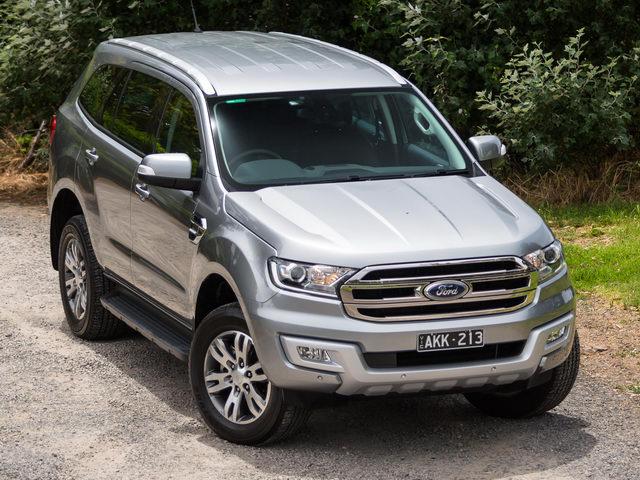 Ford tiếp tục giảm giá xe tại Việt Nam. Hàng loạt mẫu xe Ford đang được bán ở Việt Nam