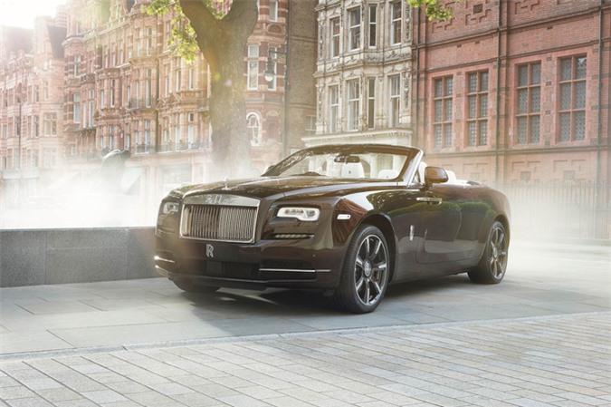 Dawn Mayfair Edition - chiếc Rolls-Royce độc nhất thế giới. Mẫu coupe mui trần siêu sang với gói cá nhân hóa màu nâu đồng, nội thất sử dụng vật liệu bằng đồng trên bảng táp-lô, ốp mặt loa. (CHI TIẾT)