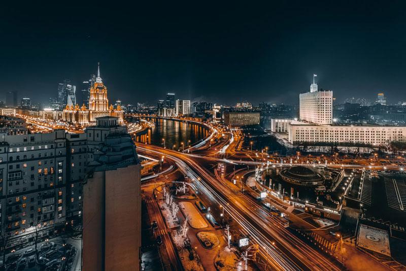 10. Thủ đô Moscow - Nga. Đây là thành phố đông dân nhất xứ sở bạch dương. Moscow là 1 trong 9 thành phố đắt đỏ nhất thế giới. Năm 2017, Moscow lọt vào top 25 thành phố toàn cầu.