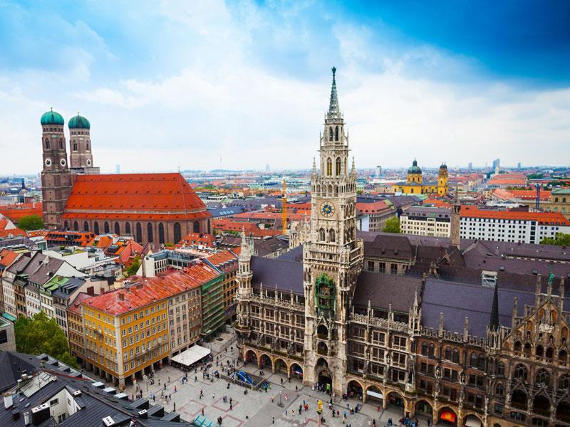 7. Thành phố Munich. Là thủ phủ của tiểu bang Bayern và là thành phố lớn thứ ba của Đức (sau Berlin và Hamburg) Nó là một trong những trung tâm kinh tế, giao thông và văn hóa quan trọng nhất của đất nước Trung-Tây Âu này.