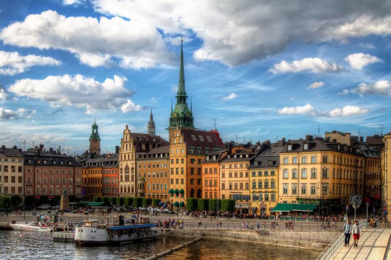 9. Thủ đô Stockholm. Là trung tâm chính trị và kinh tế của Thụy Điển. Stockholm nổi tiếng với vẻ đẹp của các tòa nhà, kiến trúc, môi trường trong sạch và nhiều công viên. Đôi khi thành phố được mệnh danh là Venice phương Bắc.
