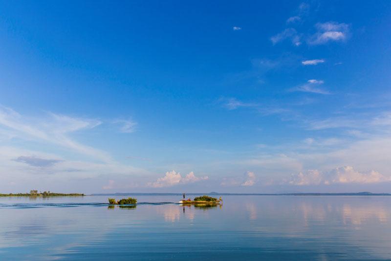 Hồ có dung tích toàn phần 2,765 tỷ m3, dung tích hữu ích 2,547 tỷ m3 và diện tích mặt hồ 323 km2. Ảnh: Nguyễn Hải Vinh.