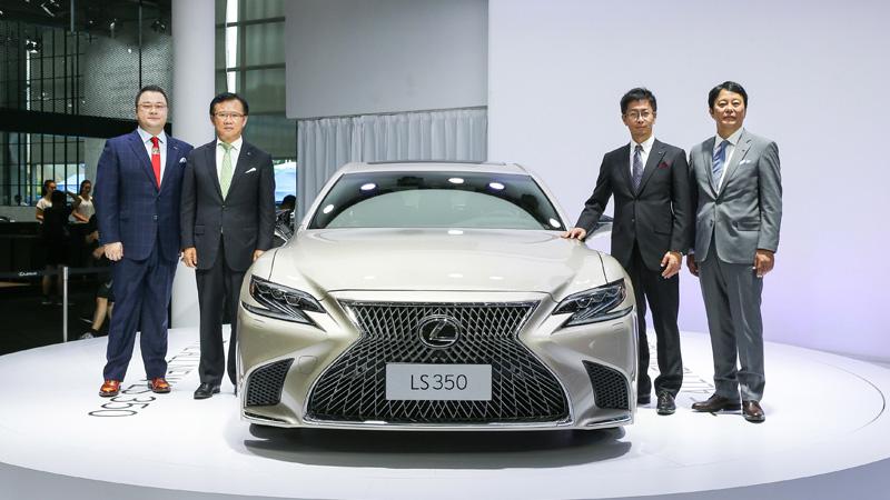 Lexus trình làng mẫu xe cỡ lớn hạng sang giá