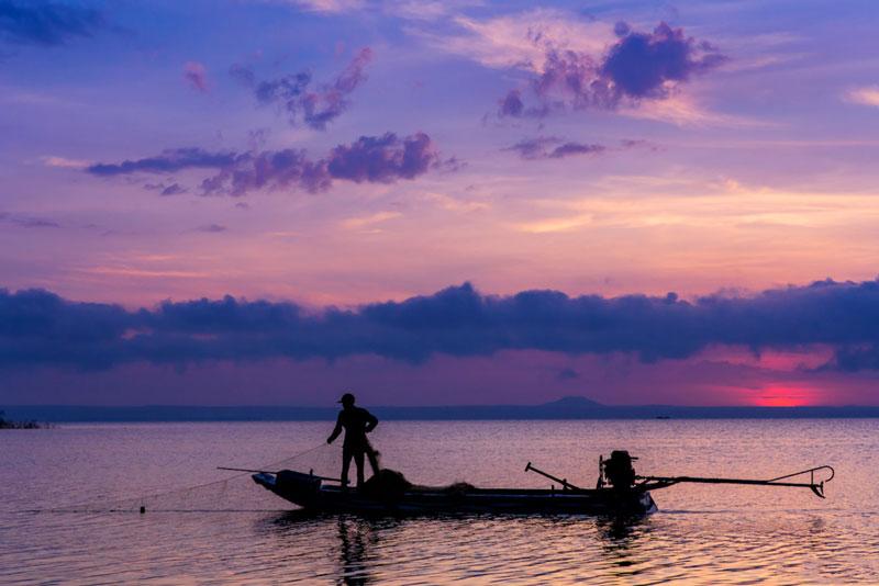 Hồ được thiết kế để cung cấp nước cho Nhà máy thủy điện Trị An công suất 400 MW với sản lượng điện hàng năm 1,7 tỷ kWh. Ảnh: Nguyễn Hải Vinh.