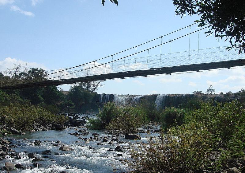 Đến với Đray Nur, cảm giác đầu tiên đến với bạn là một ngọn thác hùng vĩ, thác có chiều dài trên 250m, chiều cao trên 30m, trải rộng khoảng 150m. Ảnh: Y Kpia Mlo.