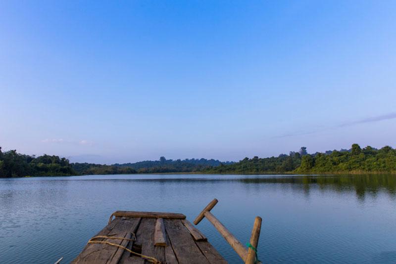 Không chỉ có vậy, cuộc sống của các ngư dân trên hồ cũng là một điều rất thú vị để du khách có thể trải nghiệm. Ảnh: Nguyễn Hải Vinh.