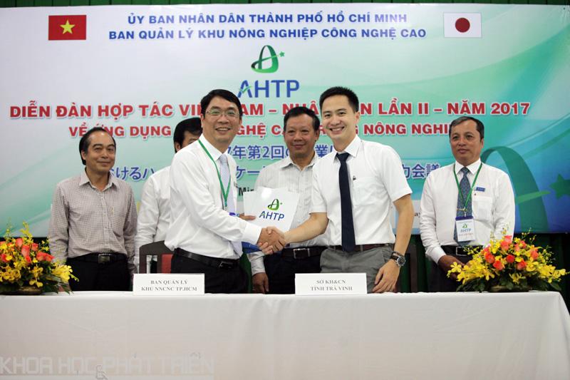 AHTP ký kết hợp tác với Sở KH&CN Trà Vinh   Ảnh: MT