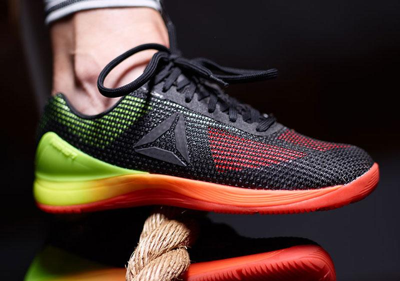 5. Reebok. Là hãng giày nổi tiếng của Anh. Từ năm 2005, Reebok trở thành công ty con của Adidas (Đức).