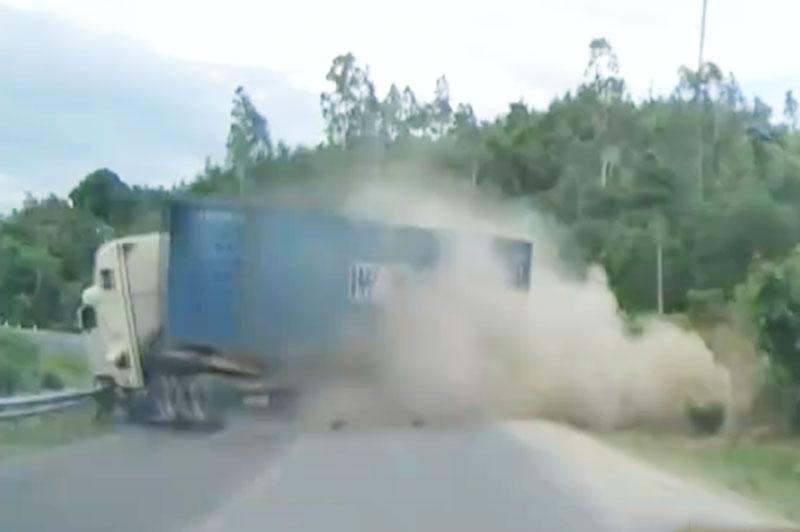 Hình ảnh vụ tai nạn.