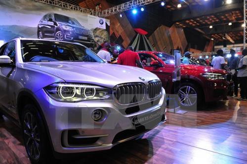 BMW tiếp tục đẩy mạnh đầu tư vào Ấn Độ. Hãng xe sang BMW của Đức dự định đầu tư thêm 1,3 tỷ rupee (hơn 20 triệu USD) vào Ấn Độ để tăng cường sản xuất, nâng tổng mức đầu tư của BMW vào Ấn Độ lên 12,5 tỷ rupee (hơn 190 triệu USD). (CHI TIẾT)