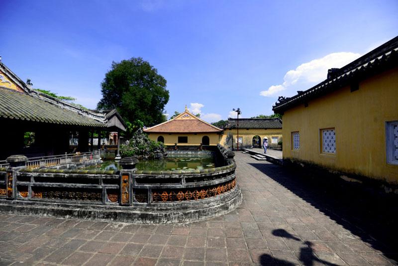 Khu vực Tạ Trường Dư trong cung Diên Thọ. Ảnh: Zing.