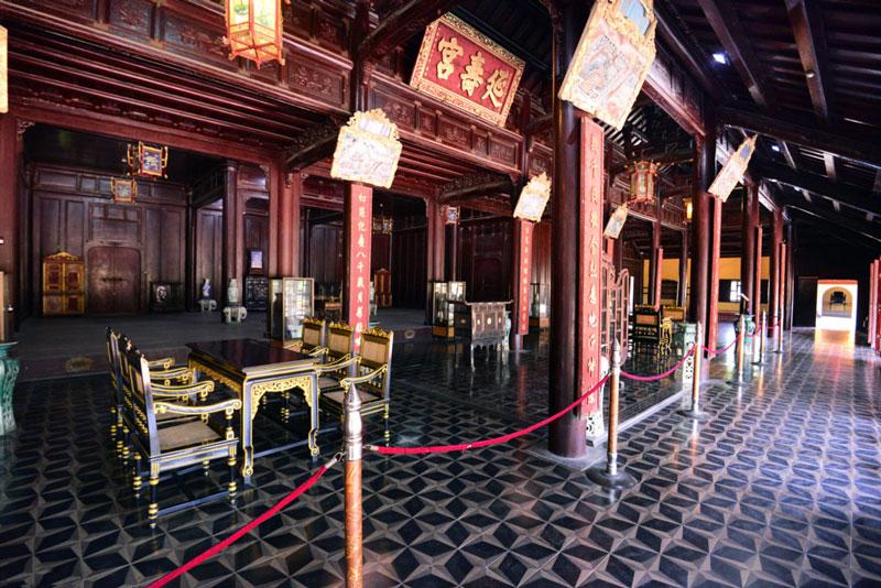 Kinh thành huế được xây dựng theo kiến trúc Vauban. Kinh thành Huế có 3 vòng thành lần lượt là Kinh thành, Hoàng thành và Tử Cấm Thành. Ảnh: Zing.
