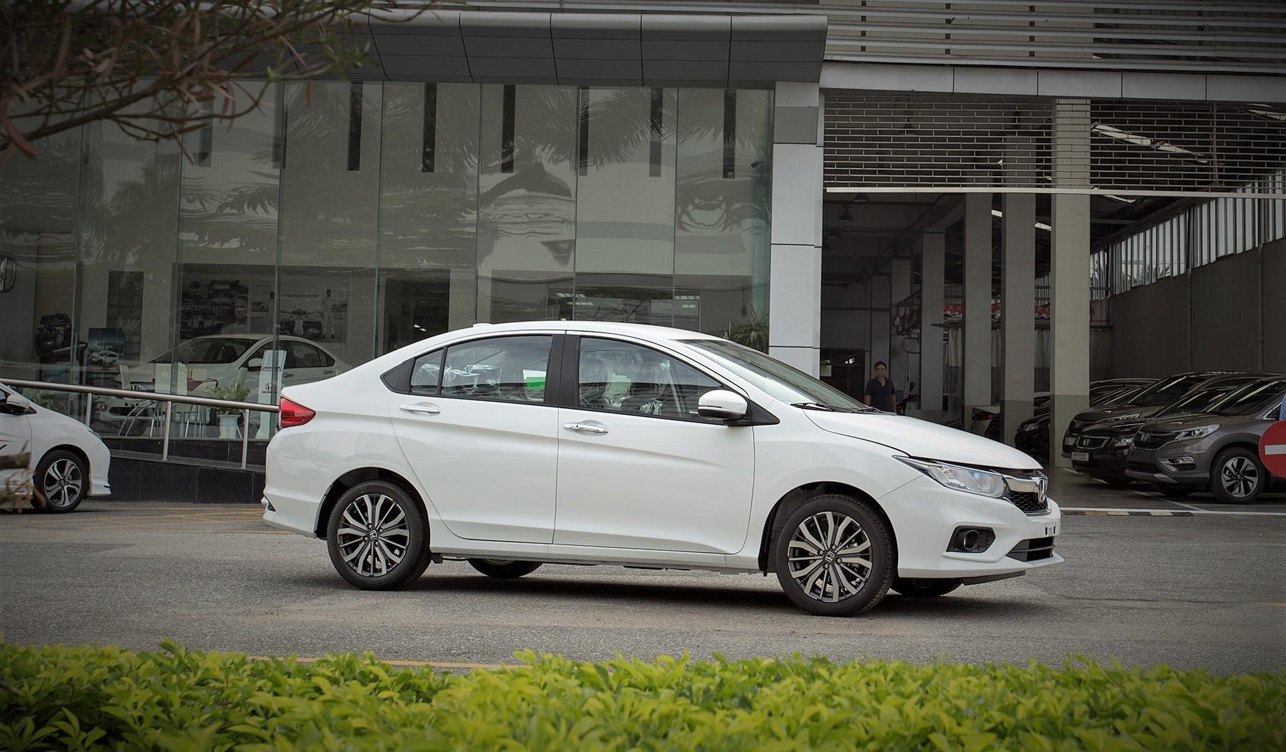 4 mẫu ô tô mới gia nhập thị trường Việt trong tháng 6/2017. Chỉ trong chưa đầy một tuần cuối tháng 6/2017, thị trường trong nước đã đón nhận thêm 4