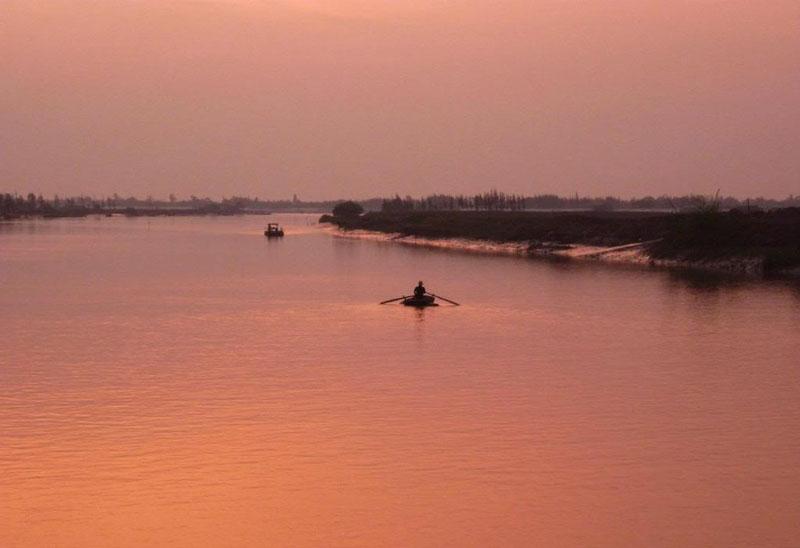 Sông Mã là một con sông của Việt Nam và Lào có chiều dài 512 km. Trong đó phần trên lãnh thổ Việt Nam dài 410 km và phần trên lãnh thổ Lào dài 102 km. Ảnh: Xucxich_buh.