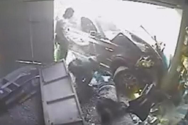 Hiện trường vụ tai nạn kinh hoàng này.