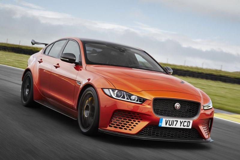 """Cận cảnh """"siêu phẩm"""" Jaguar XE SV Project 8 giá 4,3 tỷ đồng. Jaguar XE SV Project 8 là mẫu xe hiệu suất cao được trang bị động cơ tăng áp V8 5.0 lít sản sinh 592 mã lực và có khả năng đạt tốc độ 321 km/h. (CHI TIẾT)"""