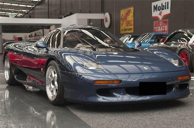 Cận cảnh siêu xe Jaguar XJR15 hiếm nhất thế giới. Có số lượng chỉ 53 chiếc, Jaguar XJR15 là siêu xe sản xuất hàng loạt đắt, hiếm nhất từng được hãng xe sang Anh Quốc Jaguar sản xuất. (CHI TIẾT)